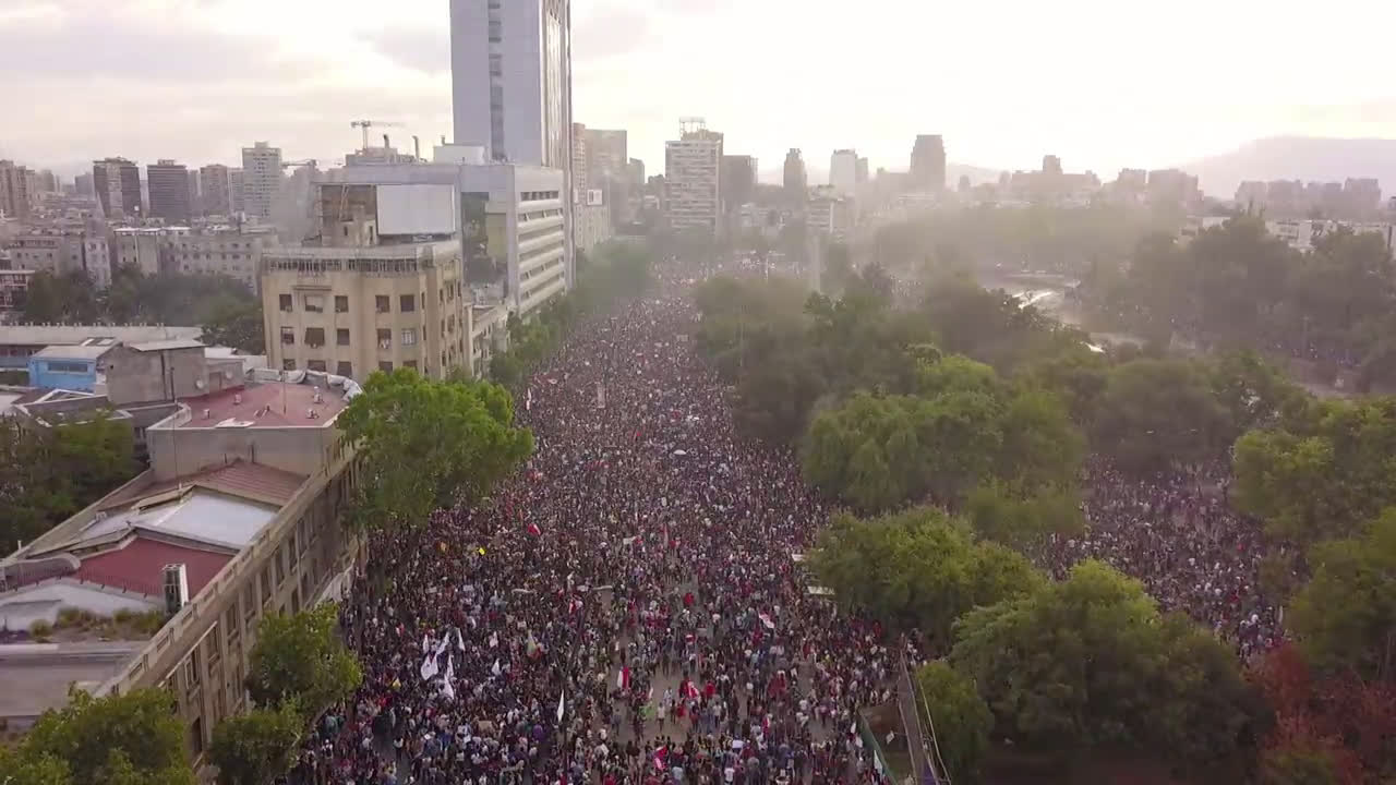 Chile: Drone footage shows Santiago streets packed with anti-government protesters