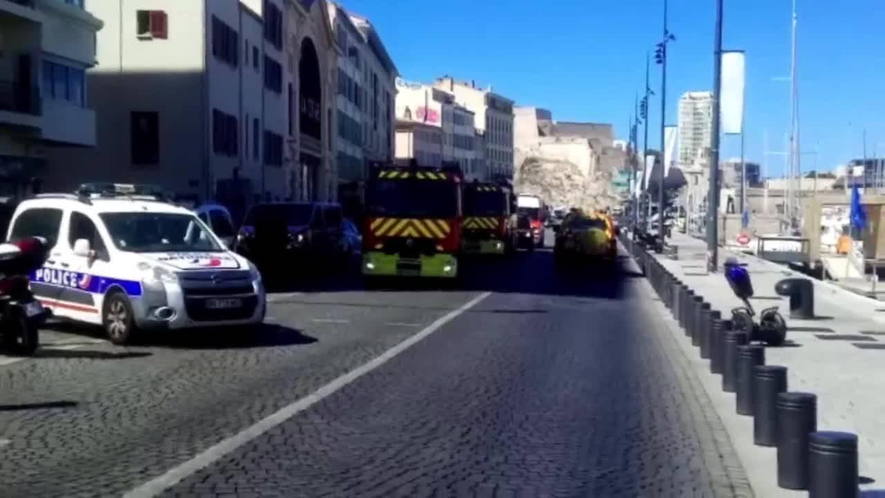 Криминално проявен нападна автобусни спирки в Марсилия