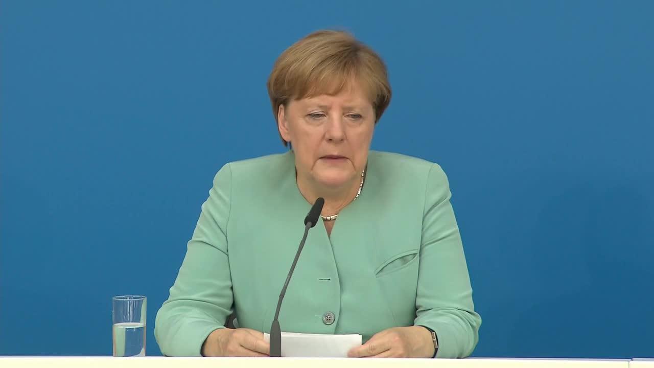 Германия: Меркел обсъжда процеса по излизане на Великобритания от ЕС