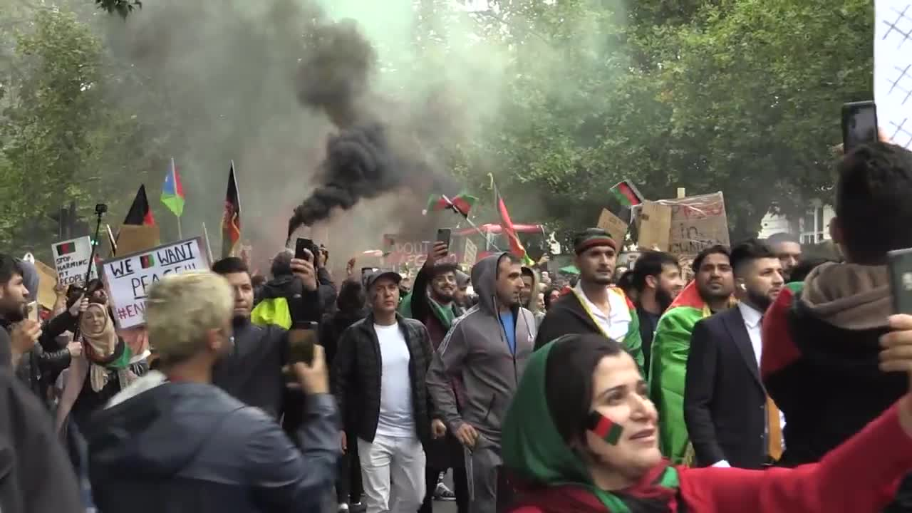 UK: Protesters rally outside Parliament demanding more support for Afghans