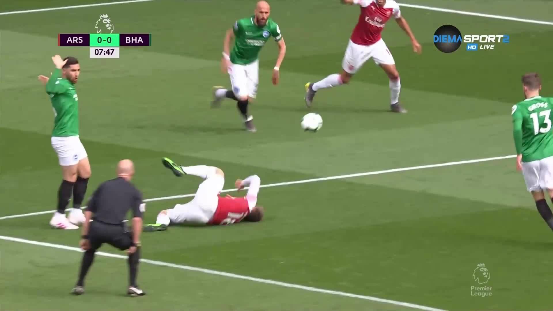 Дузпа даде преднина на Арсенал срещу Брайтън