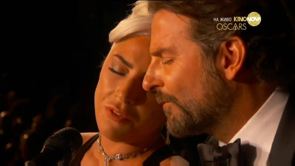 """Лейди Гага и Брадли Купър с емоционално изпълнение на сцената на \""""Оскарите\"""" - \""""Shallow\"""""""