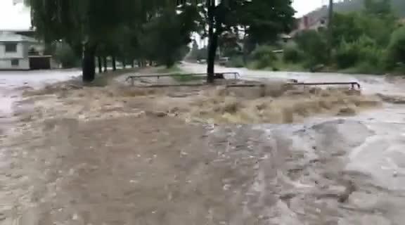 Бедствено положение в Самоков, река Боклуджака преля - ПЪРВА ЧАСТ