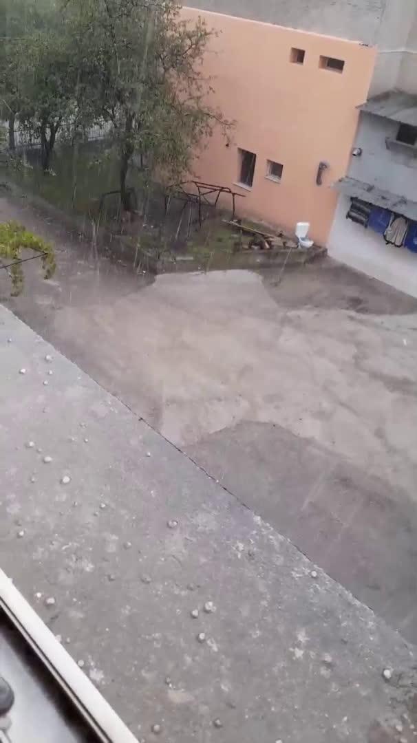 """От """"Моята новина"""": Силна градушка във Варна"""