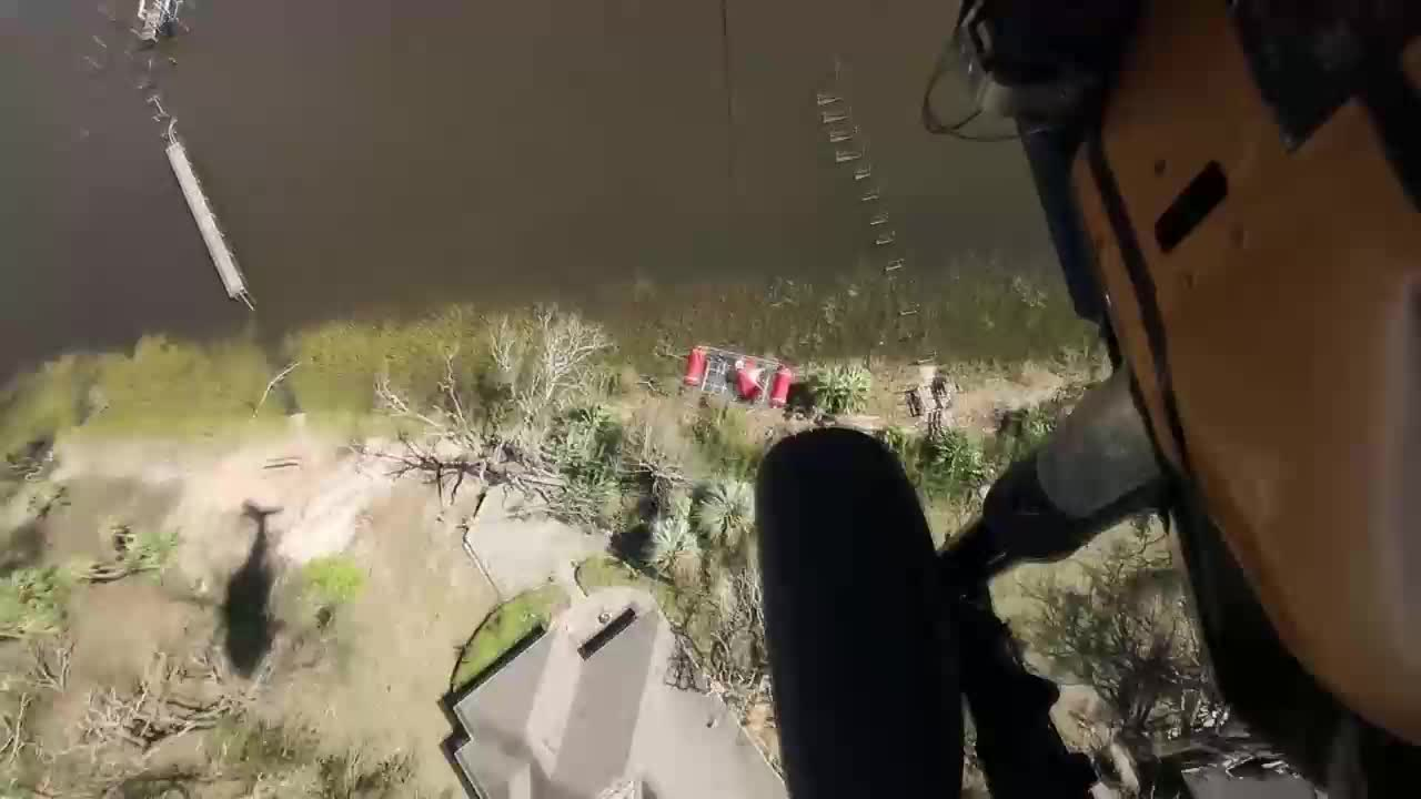 USA: Dramatic mid-air rescue of Hurricane Michael survivors by US Marines