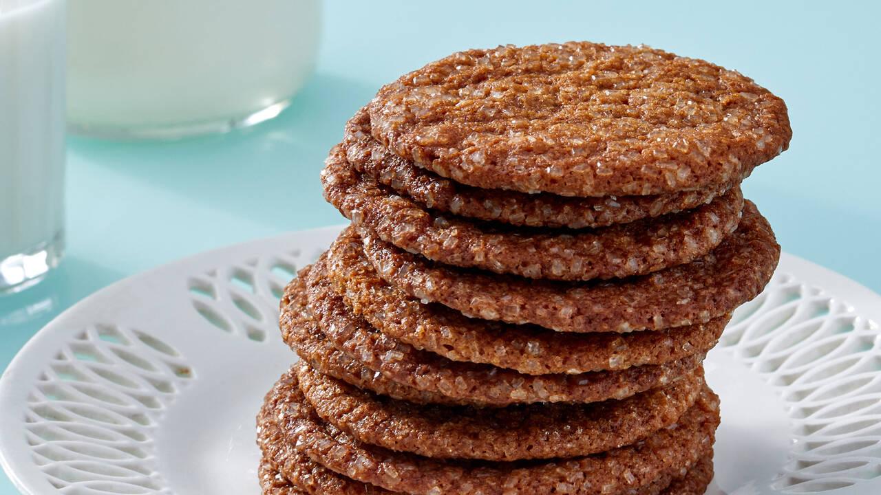 Тънки джинджифилови бисквити с меласа   Печивата на Марта   24Kitchen Bulgaria