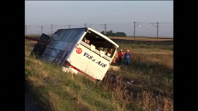 Двама души загинаха при инцидент с автобус, управляван от българин