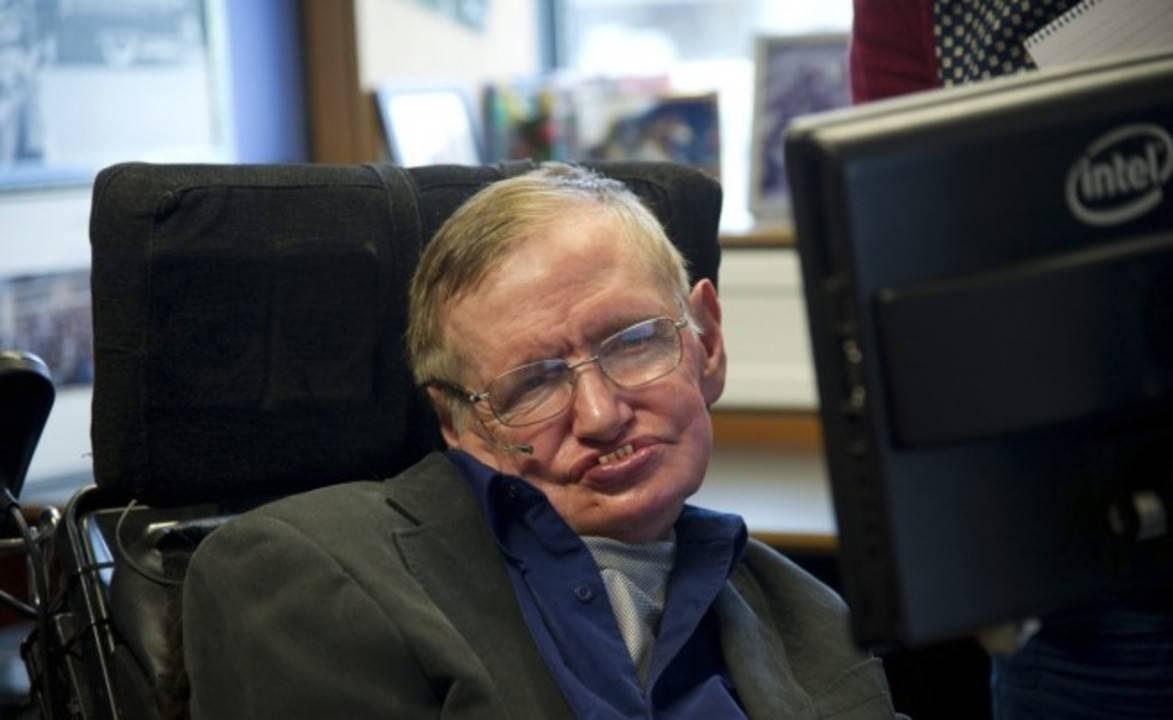 Новините в 90секунди: Стивън Хокинг планира да се отправи към Космоса