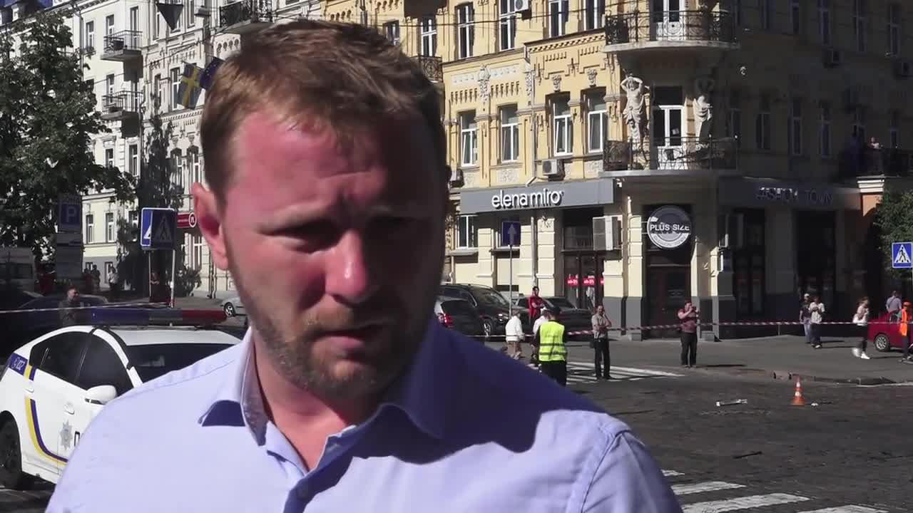 Известен журналист е убит при взрив на кола в Киев