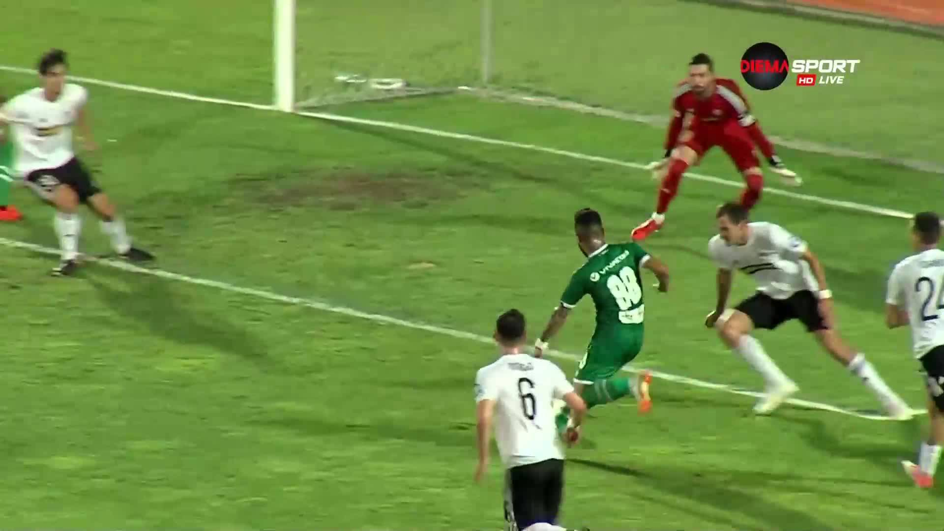 Вандерсон прониза Торпедо секунди преди паузата