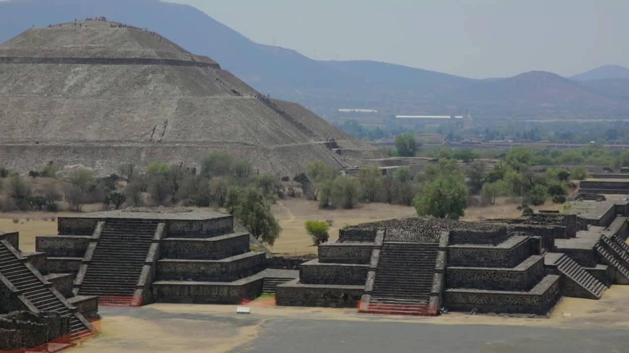 """Ацтекската архитектура - семпла, елегантна и дръзка (""""Без багаж"""" еп.120 трейлър)."""