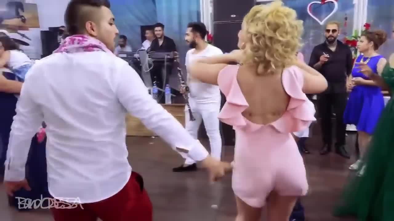 Маленькая ведьмочка мое видео танец секс