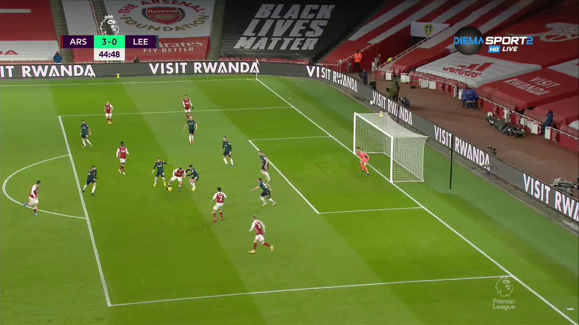 Пас, пас, пас, гол - Арсенал вкара трети на Лийдс