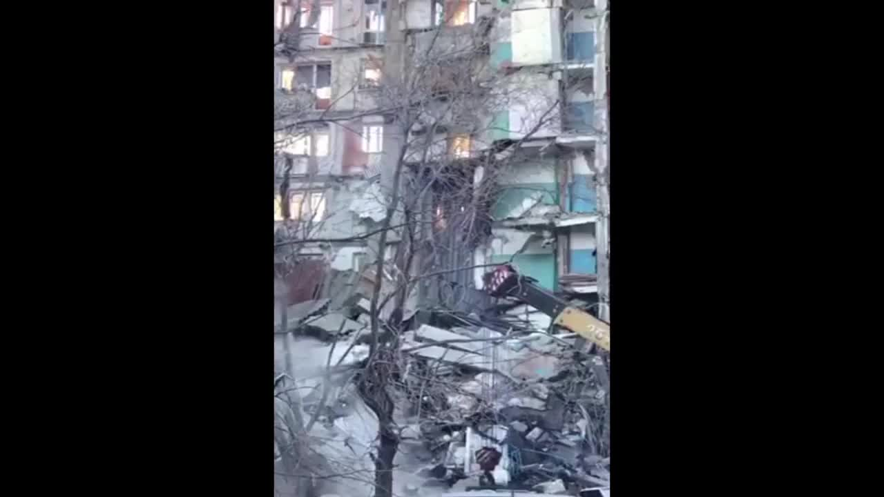 Russia: 52 still missing after apartment building collapse