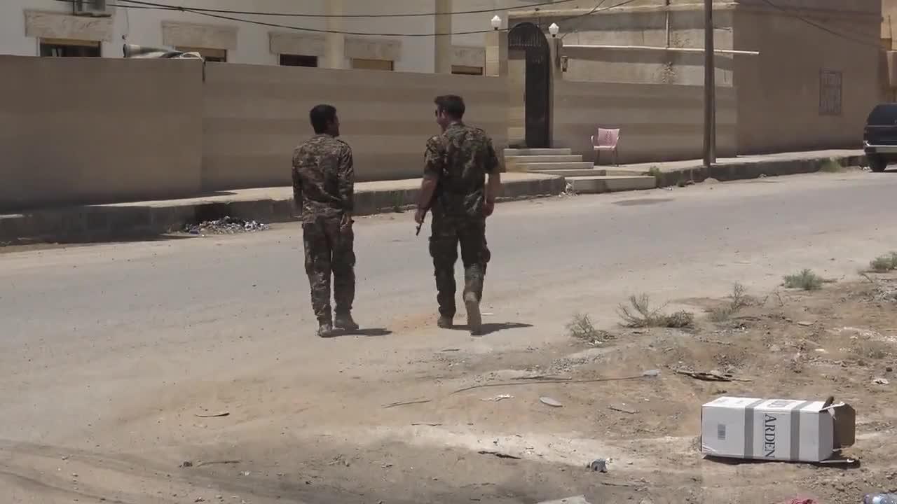 Сирийските демократични сили отблъскват контраатака на ИД в Ракка