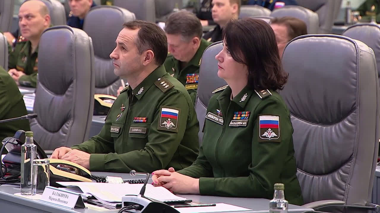 Russia: Advanced hypersonic glider Avangard enters military service