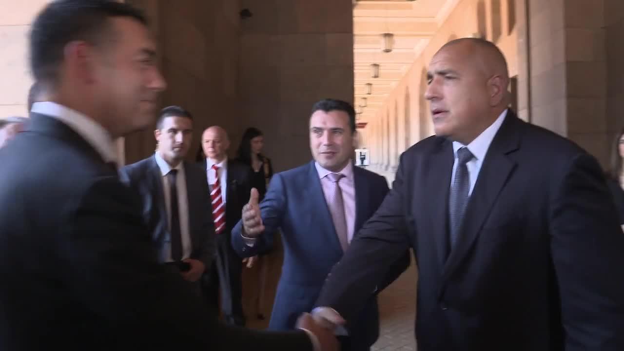 Зоран Заев пристигна на посещение у нас