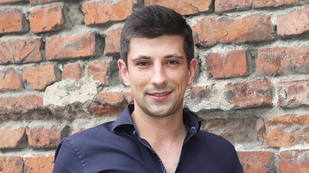 Той е на 30 години и се завърна в България. Вижте защо!
