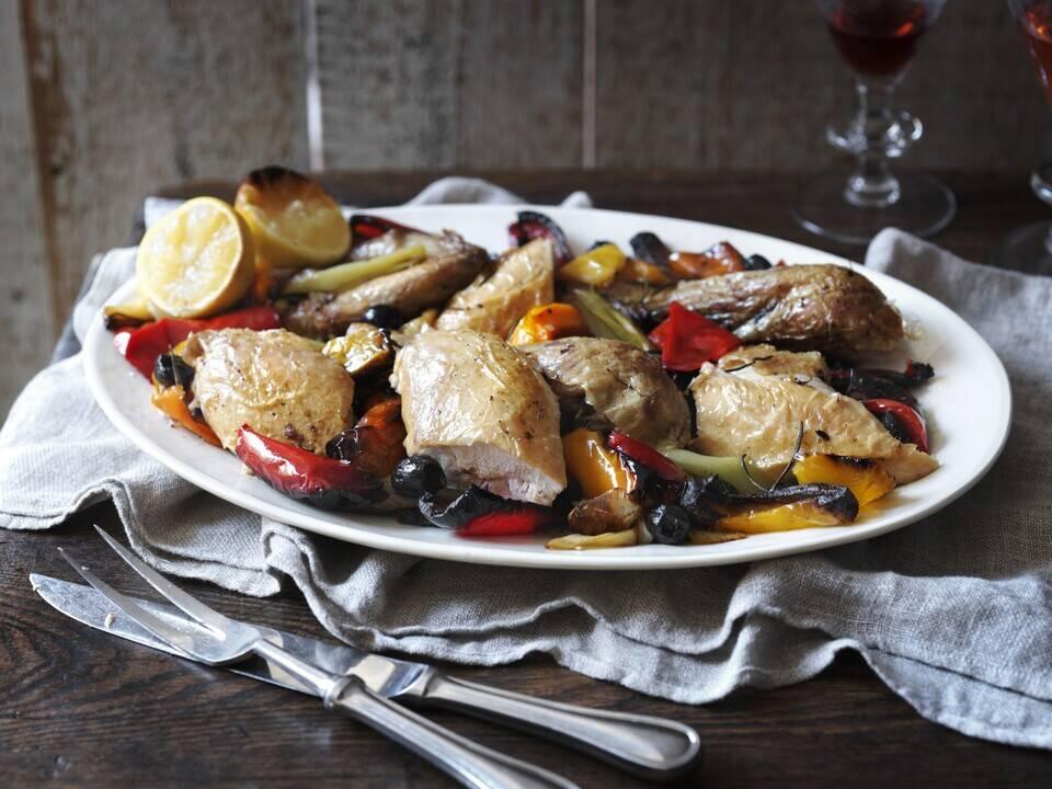 Италианско печено пиле с чушки и маслини   Найджелисима   24Kitchen Bulgaria