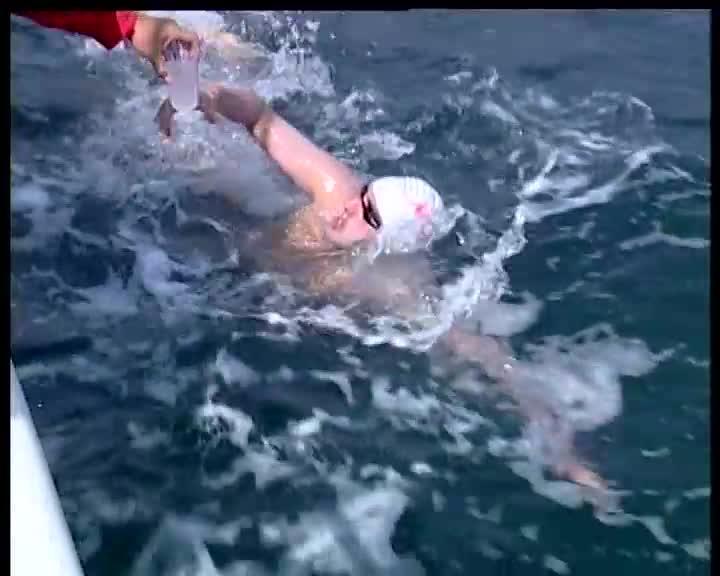 Петър Стойчев: Плуването в Антарктида е лудост, но и моя мечта