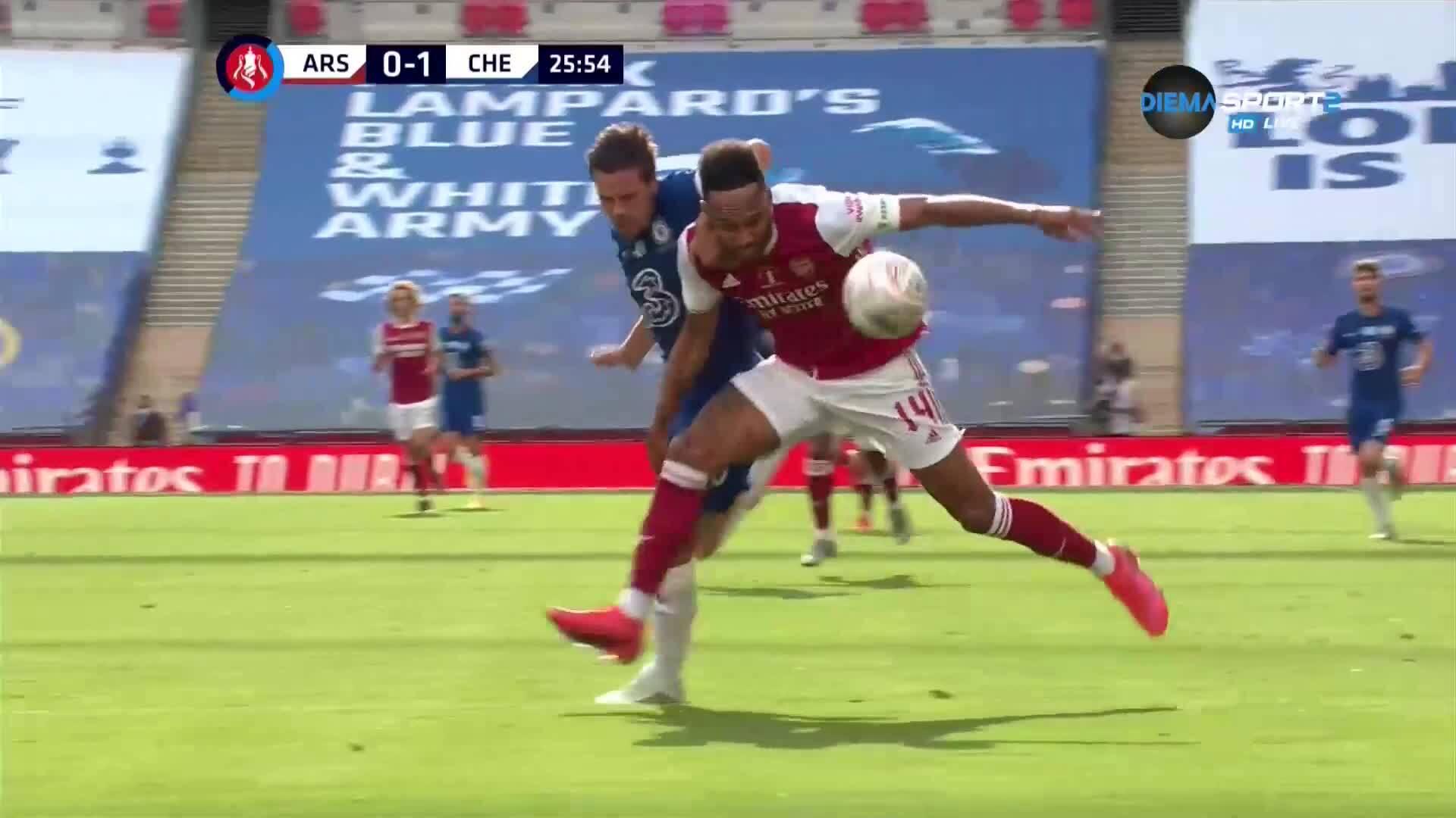 Капитански сблъсък, а Арсенал изравни на Челси