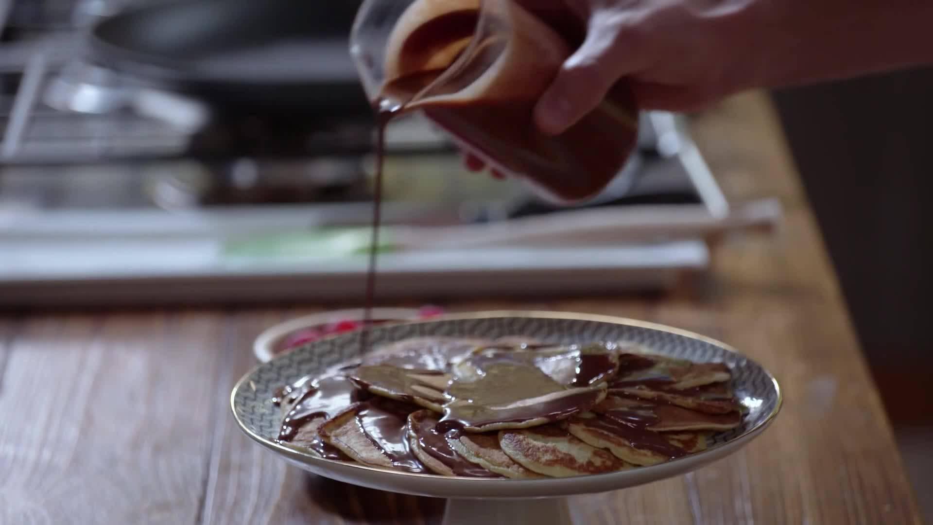 Франсишко Морейра | Палачинки с шоколадов сос