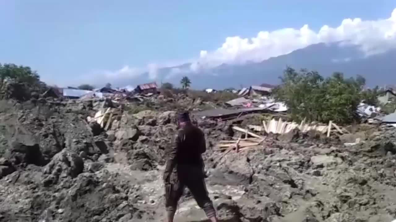 Indonesia: Quake, tsunami devastate Sulawesi island
