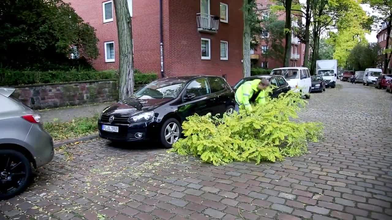 Германия: Смъртоносна буря на Север