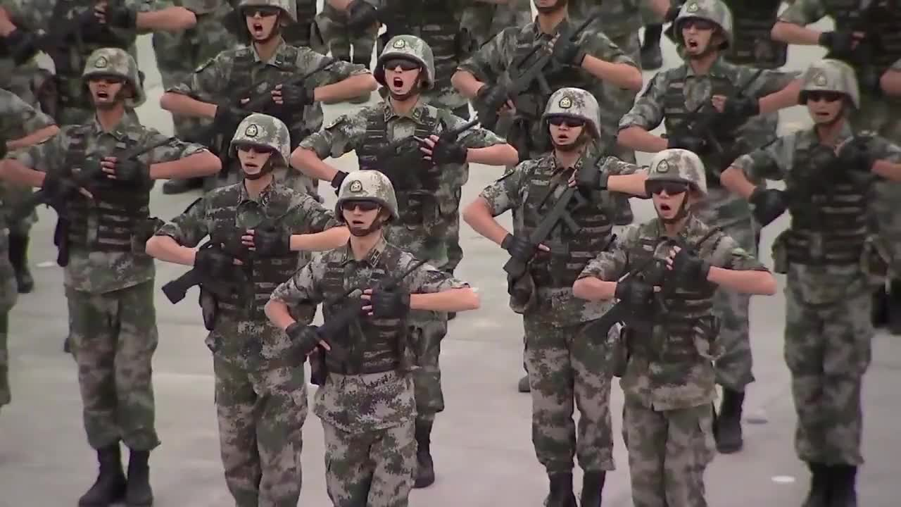 China: Paratroopers and rocket launchers mark opening of International Army Games