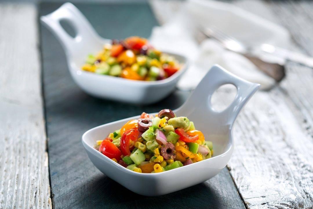Бон Апети | Салата с печена царевица и авокадо