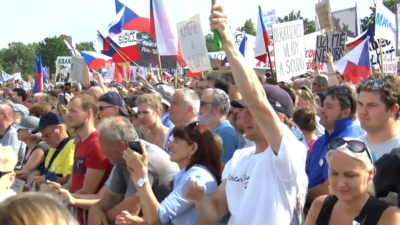 Czech Republic: Largest protests in 30 years demand PM Babis\'s resignation