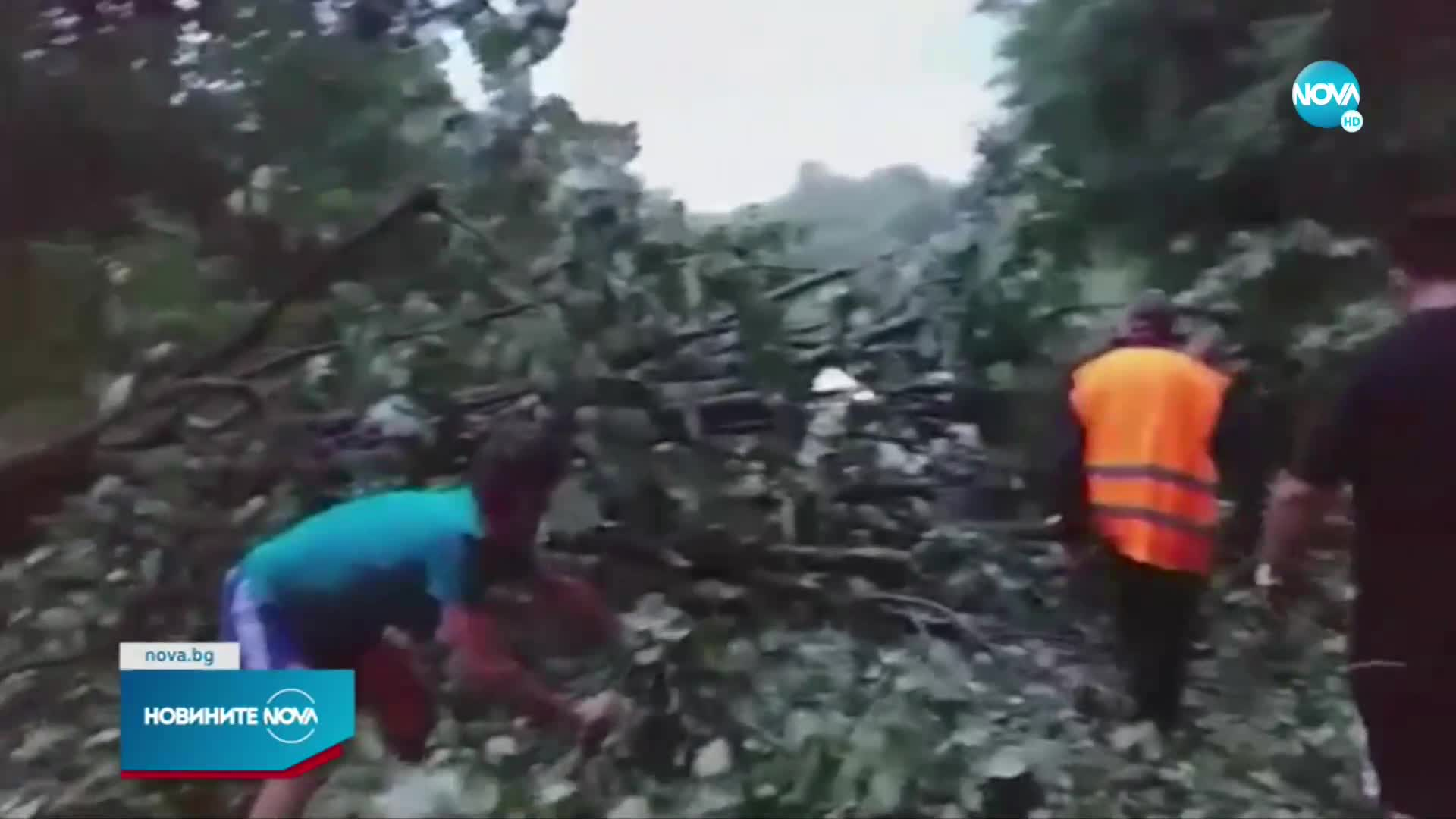 Буря и градушка удариха Врачанско