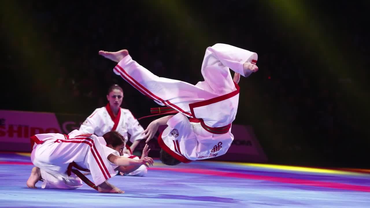 Симона Пейчева – от художествената гимнастика до черния колан