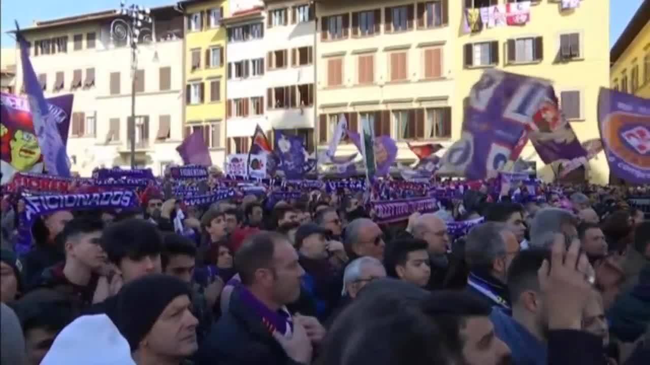 Погребението на Астори надмогна футболните съперничества