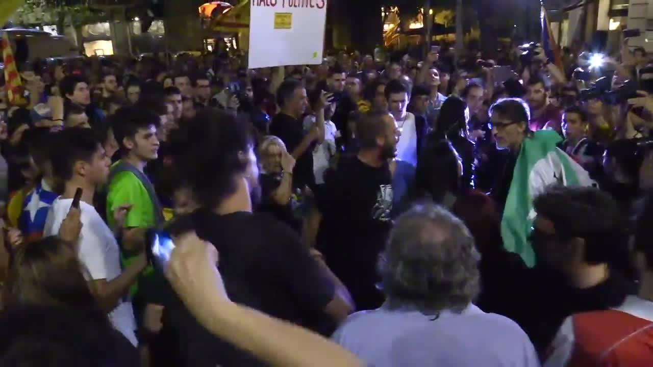 Spain: Pro-independence demonstrators mark second anniversary of Catalonia referendum